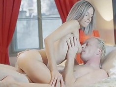 Tracy blows her lovers cock for dinner
