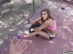 Broke teen blows at the tennis court