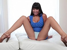 Superb babe spreads her humble chill spot