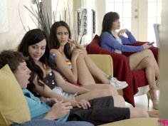 Slutty chick Whitney Wright gives a blowjob in front of her girlfriends