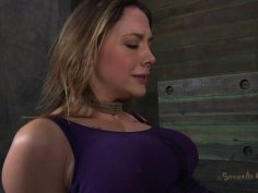Tasty pussy lips of cuddly babe Chanel Preston get rubed by a rope
